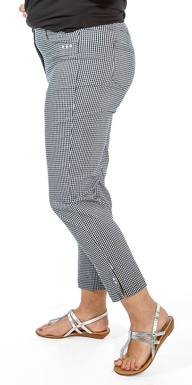This model is wearing Robell Bella gingham crop trousers
