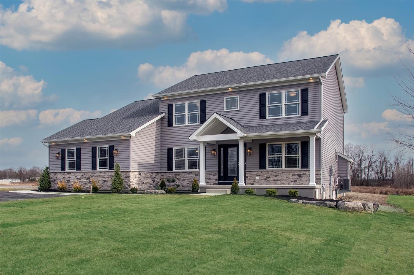 Brookfield Meadows Model | Sales Center