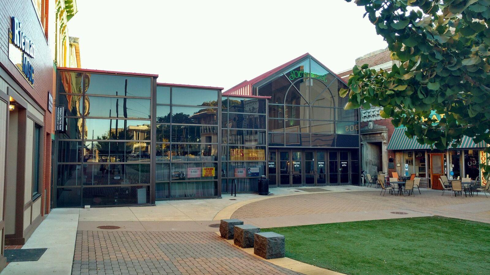 Southbridge Mall courtyard entrance