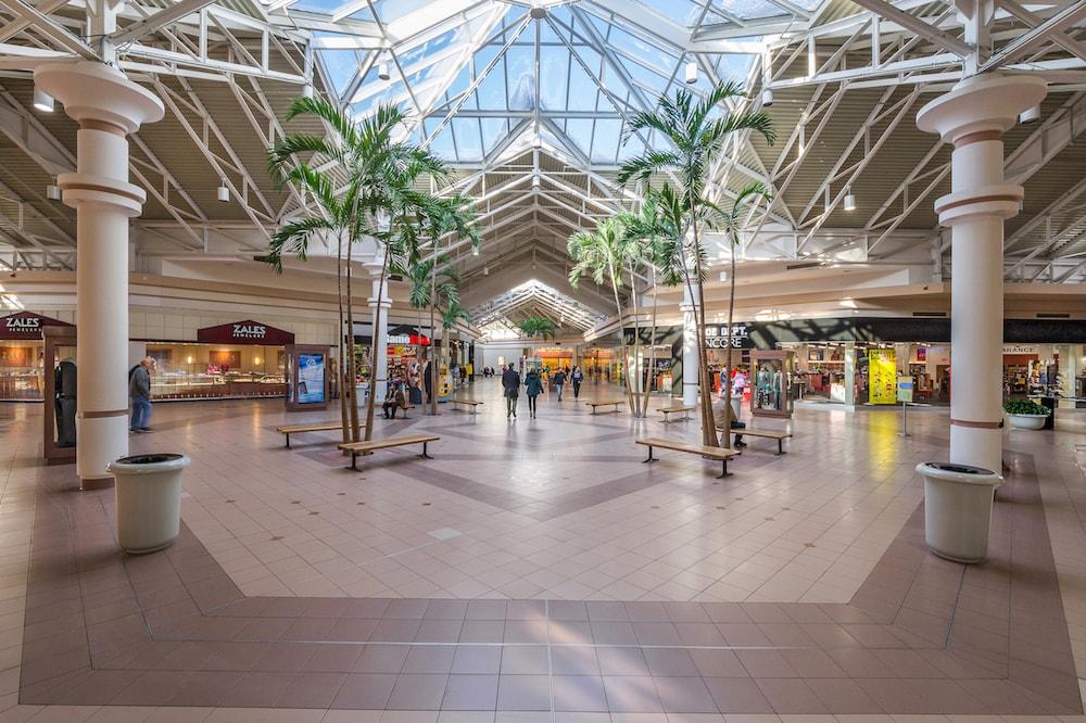 Midland Mall interior