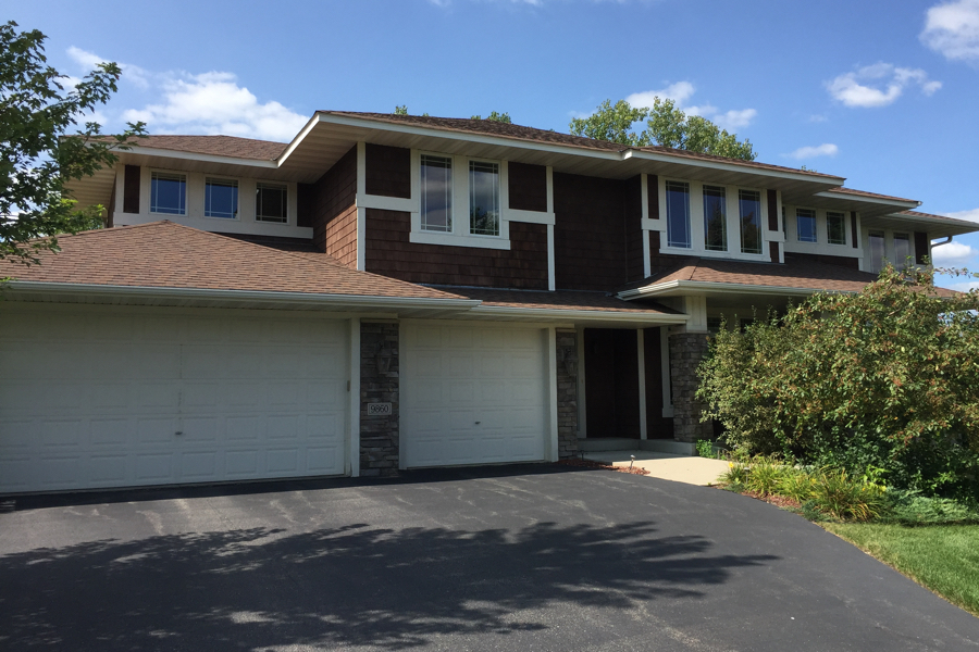 Beautiful Chanhassen home with clean windows by Roth Window Cleaning
