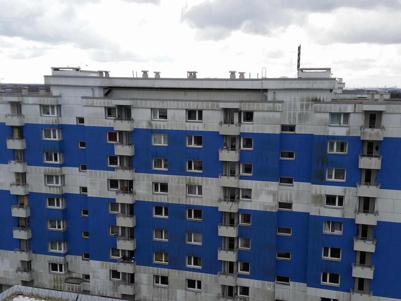 Industriekletterer: Fassadenreinigung in Hamburg durch Höhenarbeiter