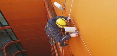 Graffitientfernung und Mauerwerksreinigung | Industriekletterer Hamburg