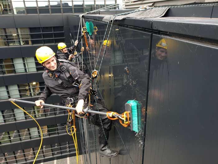 Fassadenreinigung Industrie Kletterer Hamburg