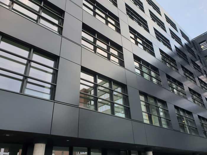 Fassadenreinigung Hamburg Industriekletterer Seilgestützt