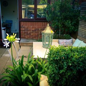 Small Modern Garden Dining