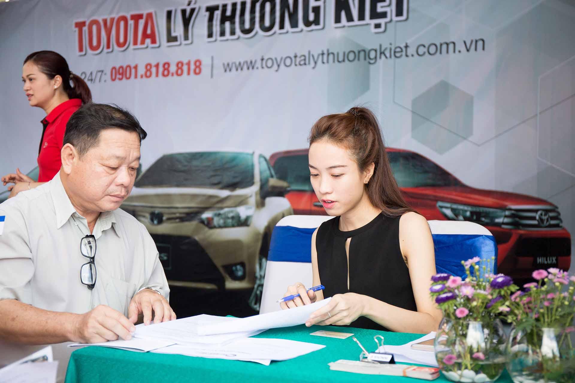 Đăng ký lái thử dòng xe toyota