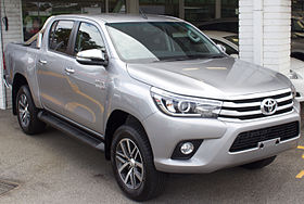 xe Toyota Hilux 8