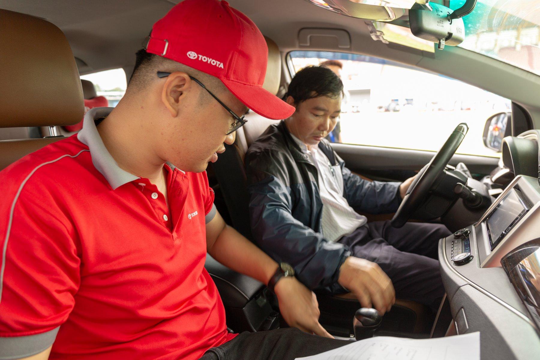 Lái thử xe Toyota