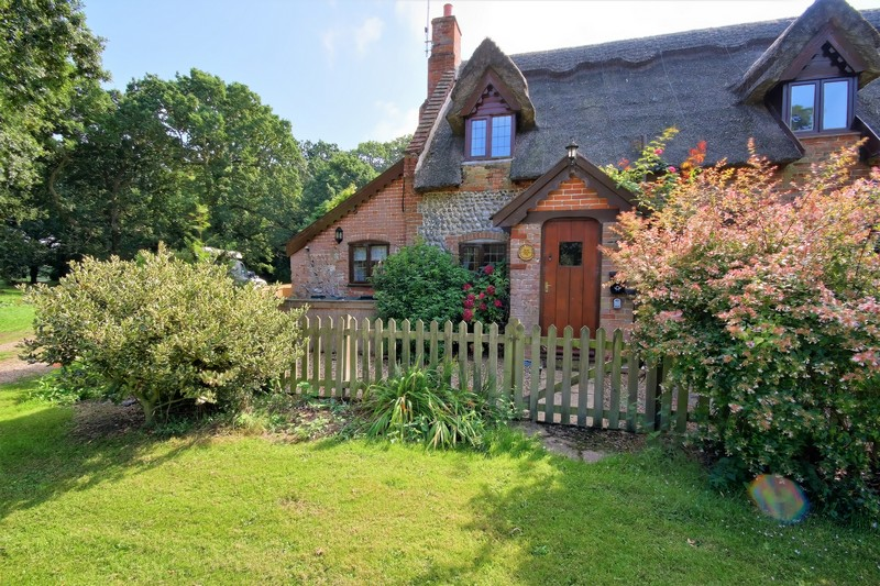 Fox Cottage Outside Front