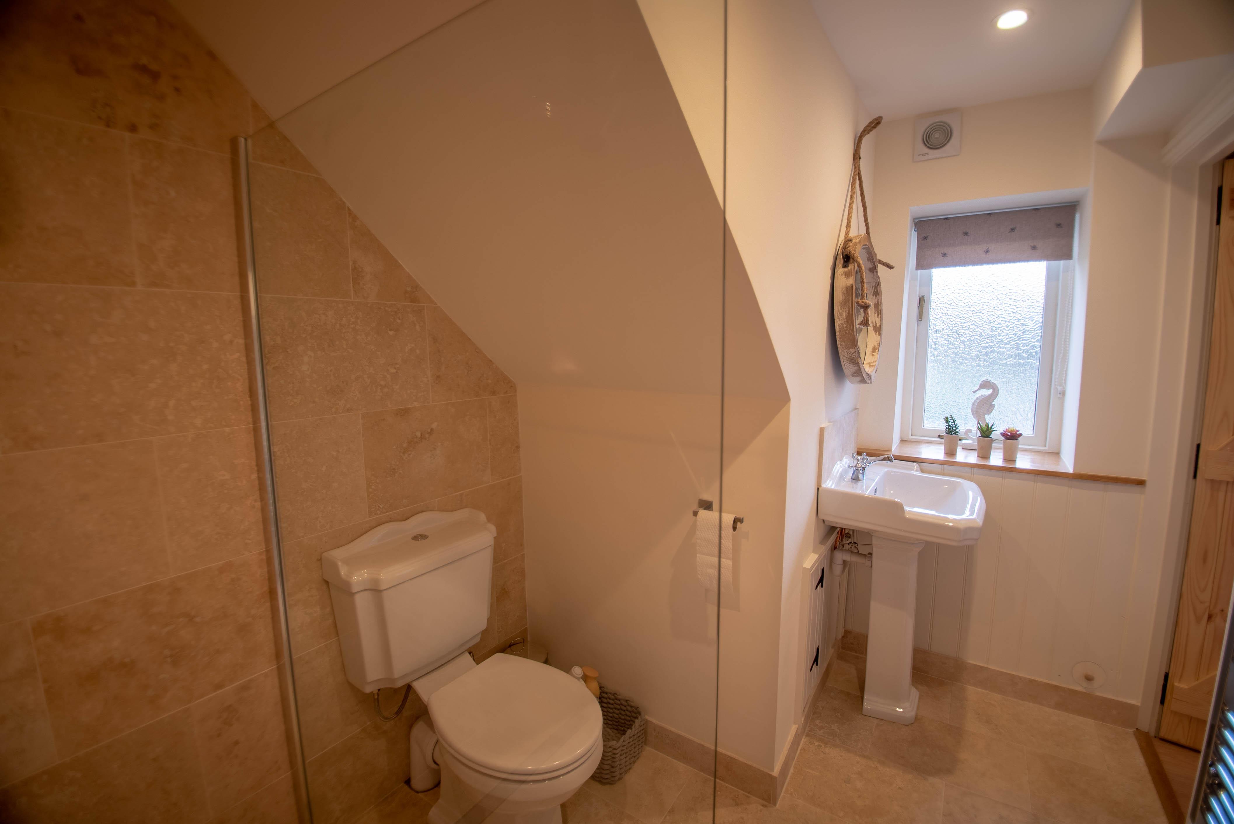 Fox Cottage Bathroom 2