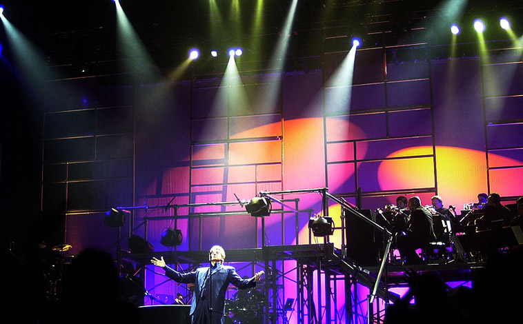 Barry Manilow Set