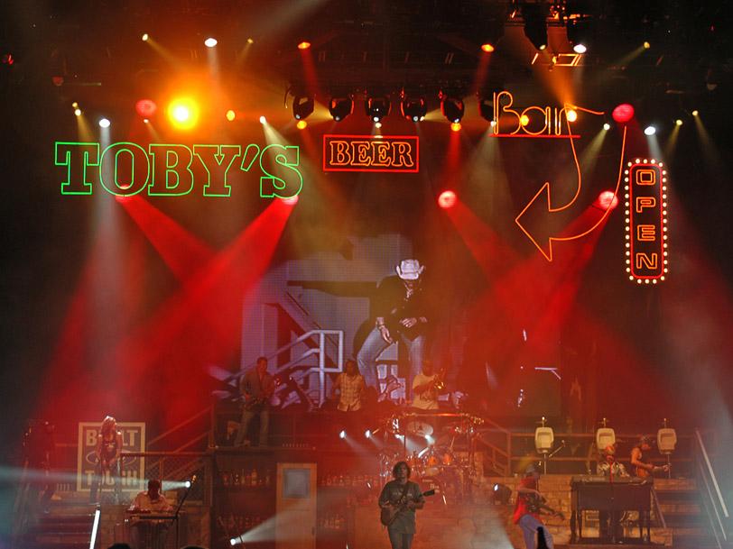 Toby Keith Big Throwdown Tour Set