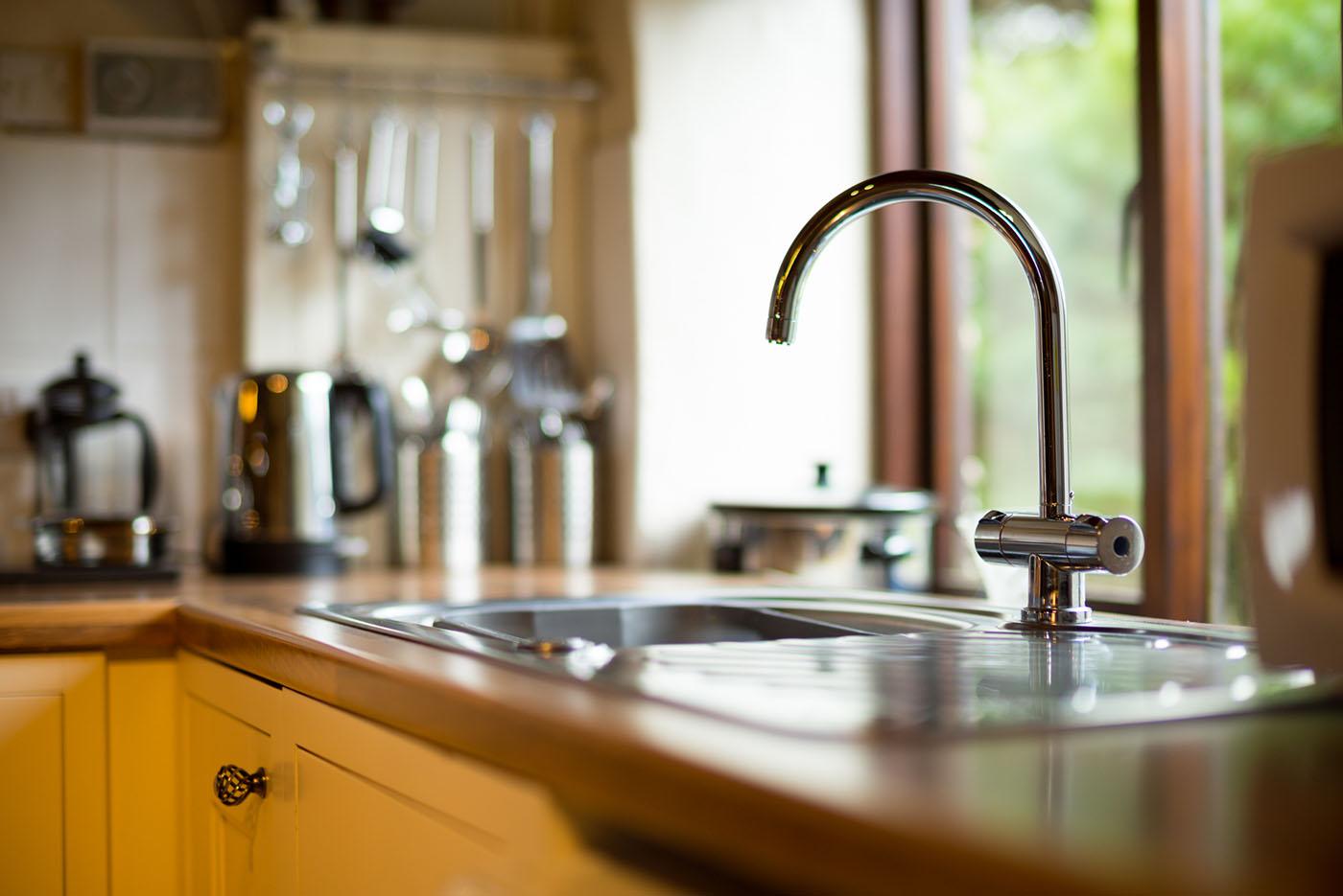 Mill wheel kitchen sink