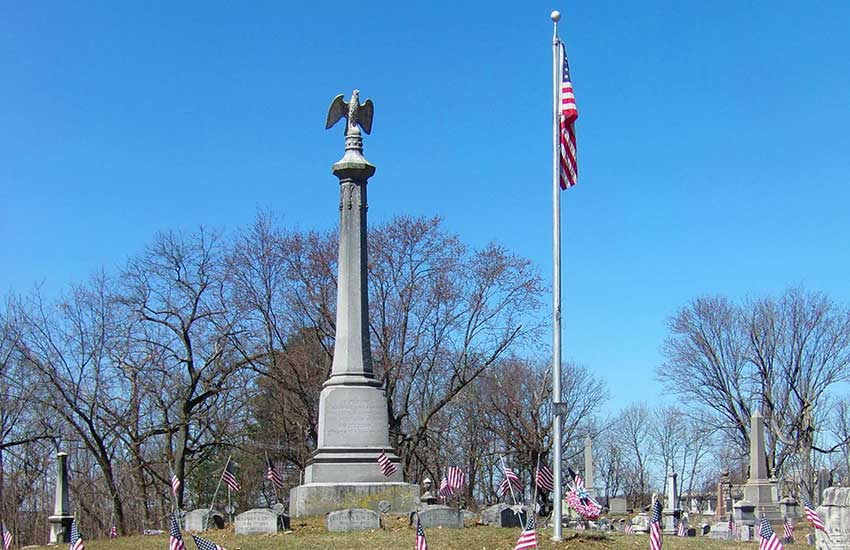 Soldiers & Sailors Monument, Green Hill Cemetery