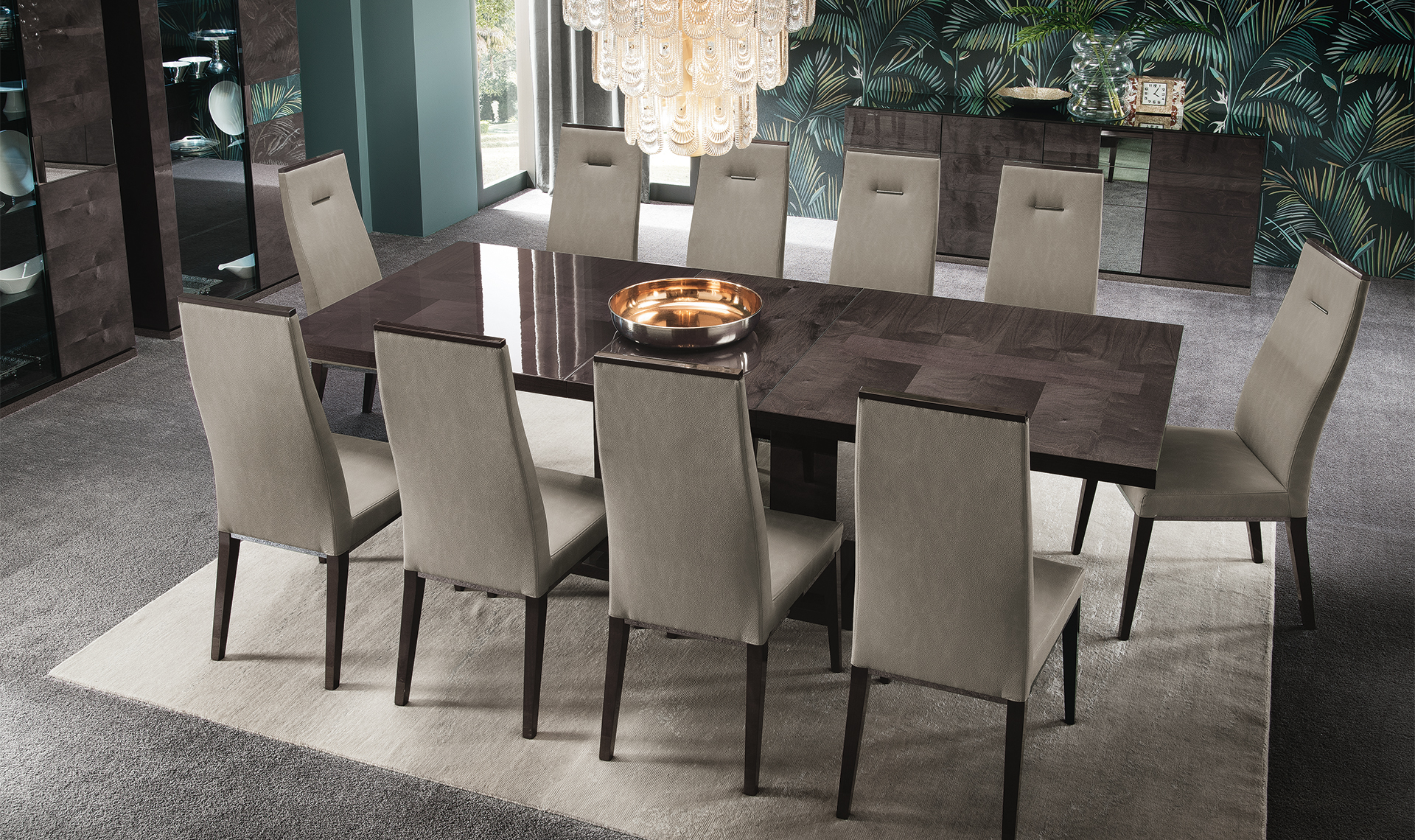 Heritage Dining Room Table Overview