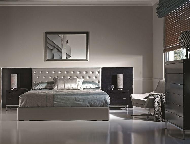 Bed chrome-upholstered City 1