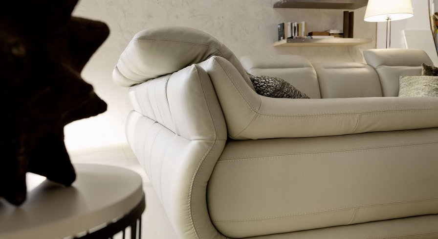 Indianapolis leather sofas deluxe partial view 1