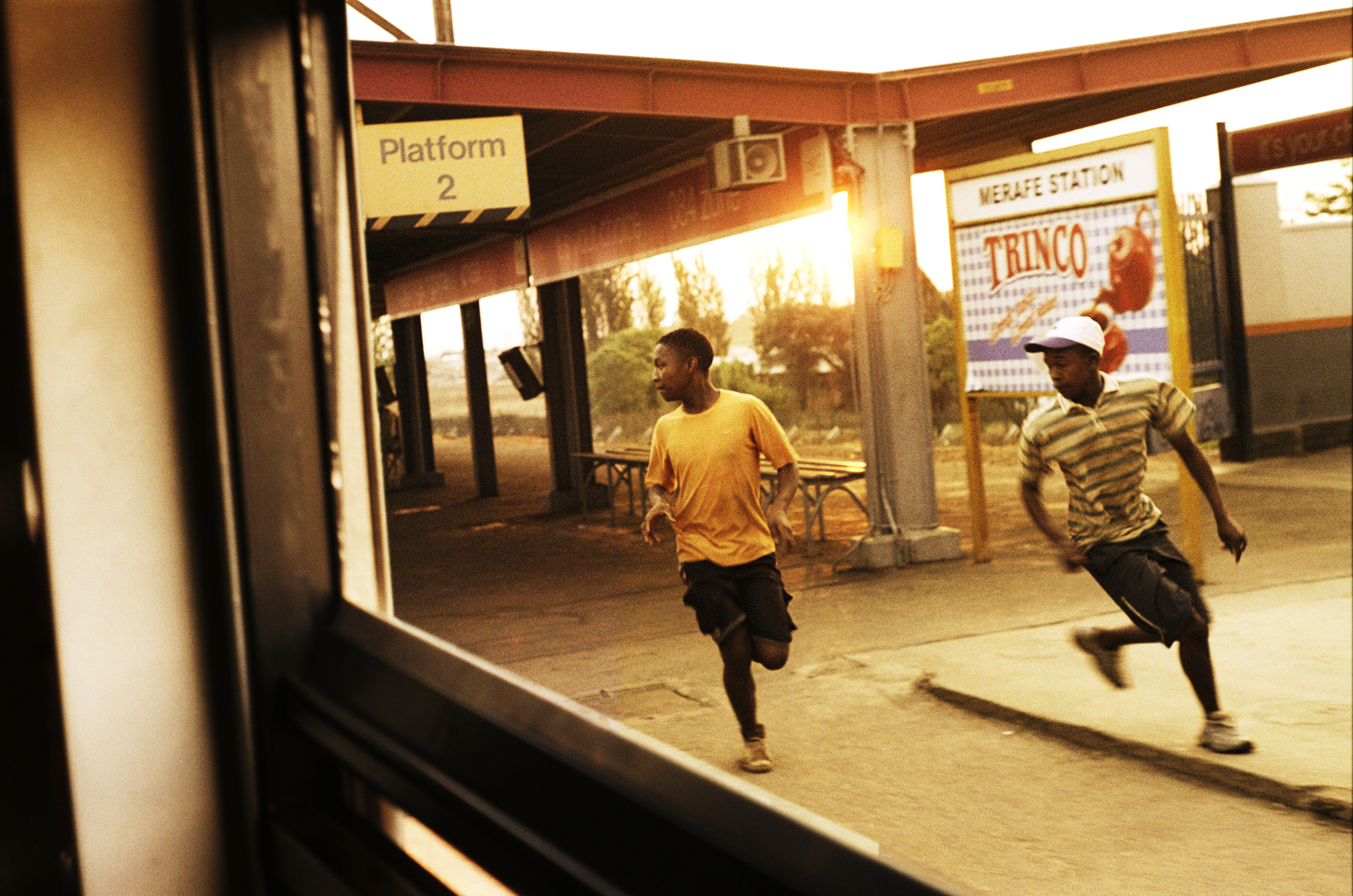 SANZA HANZA: Train-Surfing in South Africa.