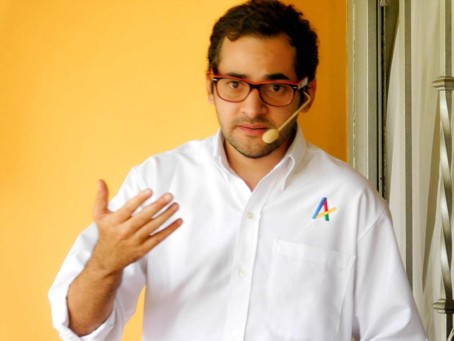 Eduardo Manzo Akdemia