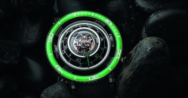 MB&F Horological Machine No.7 Aquapod Titanium Green