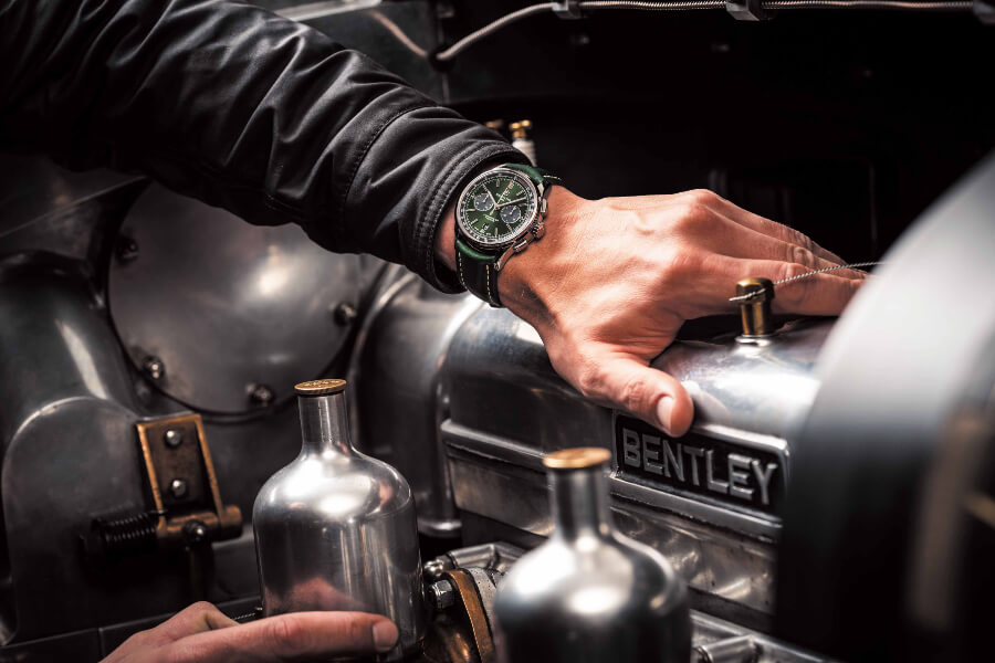 Breitling Premier B01 Chronograph 42 Bentley British Racing Green Review