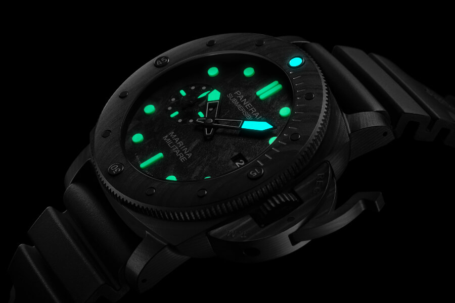 Panerai Submersible Marina Militare Carbotech - 47mm Review