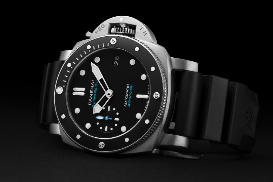 Top dive watches Panerai Submersible – 42mm