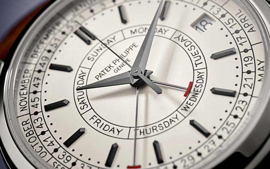 Patek Philippe Ref. 5212A-001 Calatrava Weekly Calendar Dial