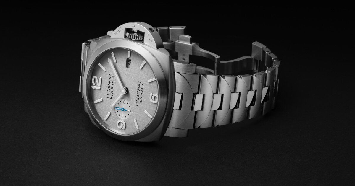 Panerai Luminor Marina With A New Silver-Coloured Dial (Specifications and Price)