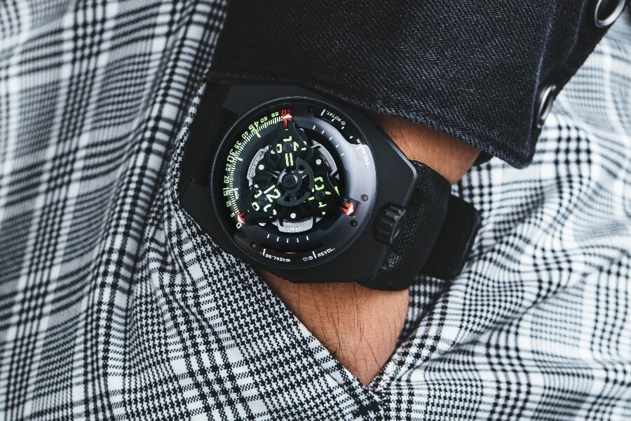 Urwerk UR-100 SpaceTime Watch Review