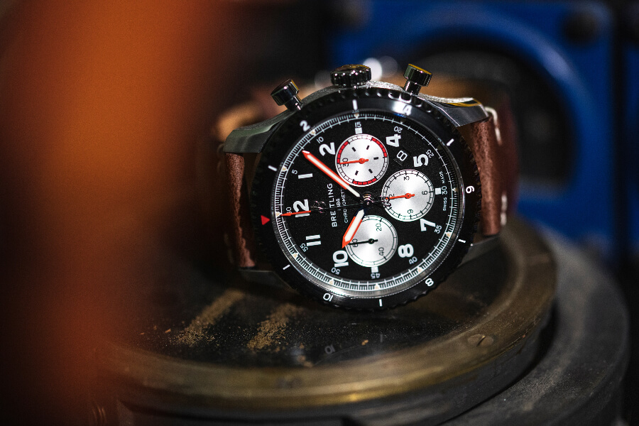 Breitling Aviator 8 B01 Chronograph 43 Mosquito Hands On