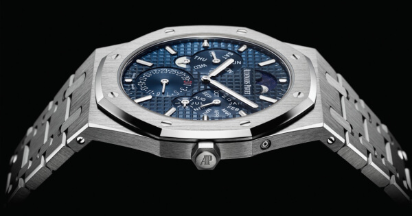 "Audemars Piguet, Royal Oak Selfwinding Perpetual Calendar Ultra-Thin Wins The ""Aiguille d'Or"" Grand Prix"