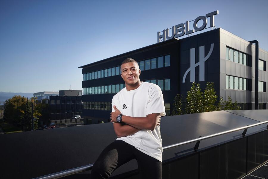 Kylian Mbappé Visits The Hublot Manufacture