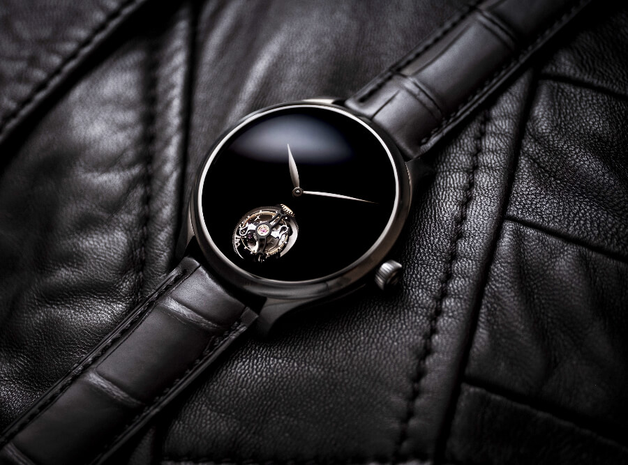 H. Moser & Cie. Endeavour Tourbillon Vantablack Black Hands Watch Review