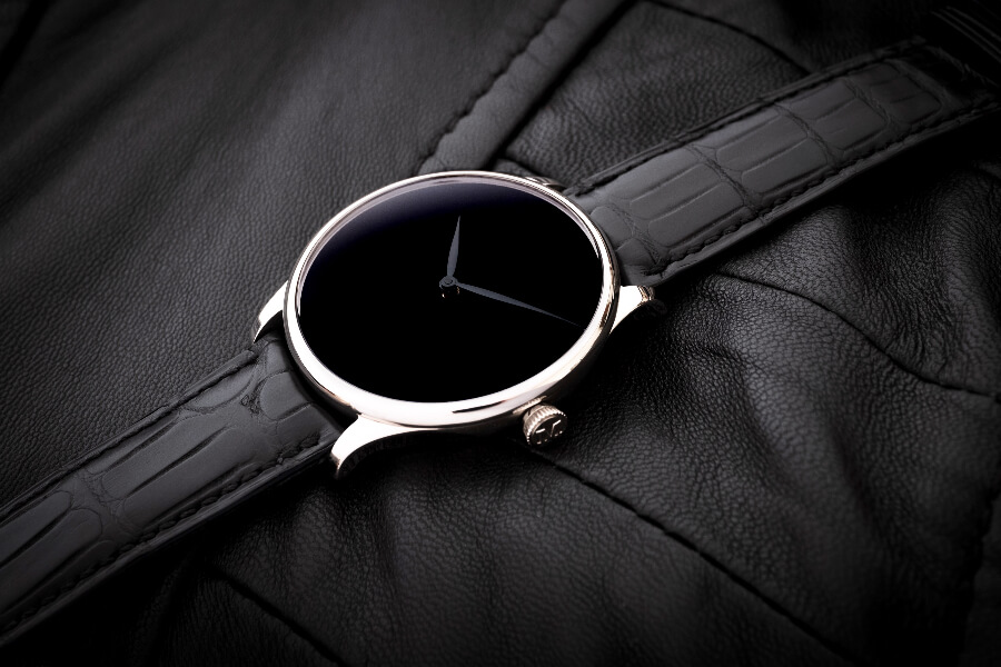 H. Moser & Cie. Venturer Vantablack Black Hands XL Watch review
