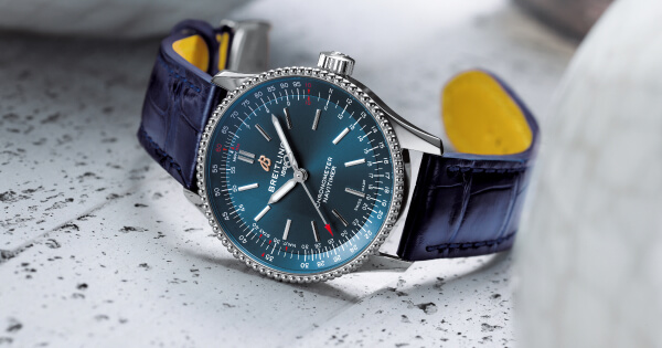 The Breitling Navitimer Automatic 35 (Price, Pictures and Specs)