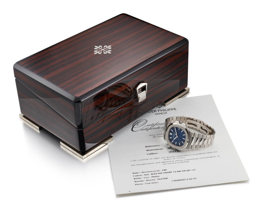 Patek Philippe Nautilus, Ref. 5711 in platinum with blue jeans dial, circa 2014 Full Box for sale
