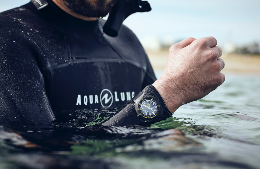 Doxa SUB 300 Aqua Lung US Divers Watch Review
