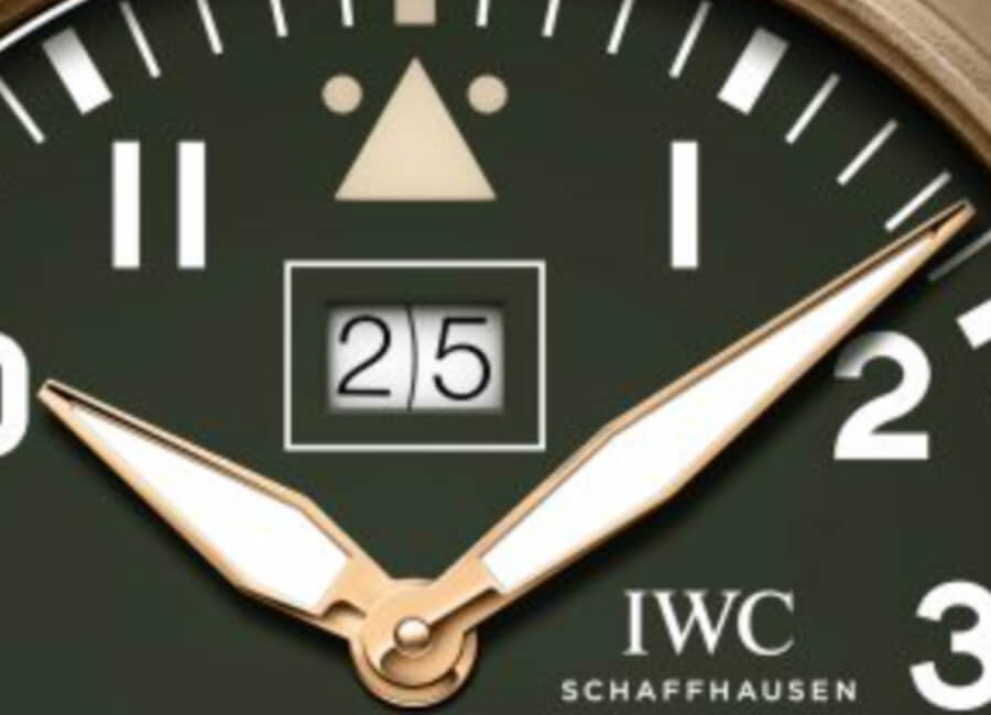 "IWC Big Pilot's Watch Big Date Spitfire Edition ""Mission Accomplished"" Dial"