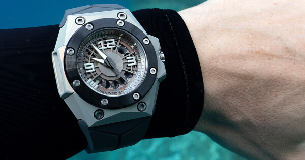 Linde Werdelin Oktopus Moonlite (Price, Pictures and Specifications)