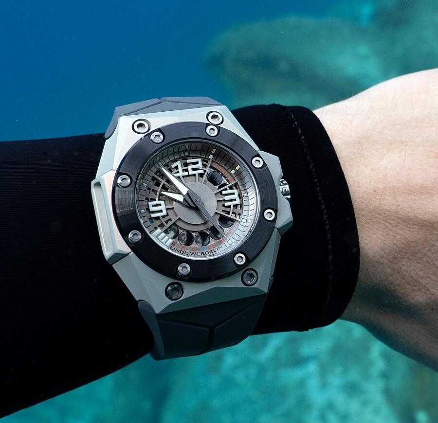 Linde Werdelin Oktopus Moonlite Watch Review