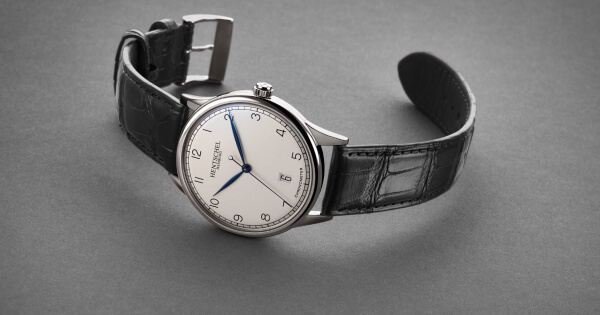 Hentschel H1 Chronometer Automatic (Price, Pictures and Specifications