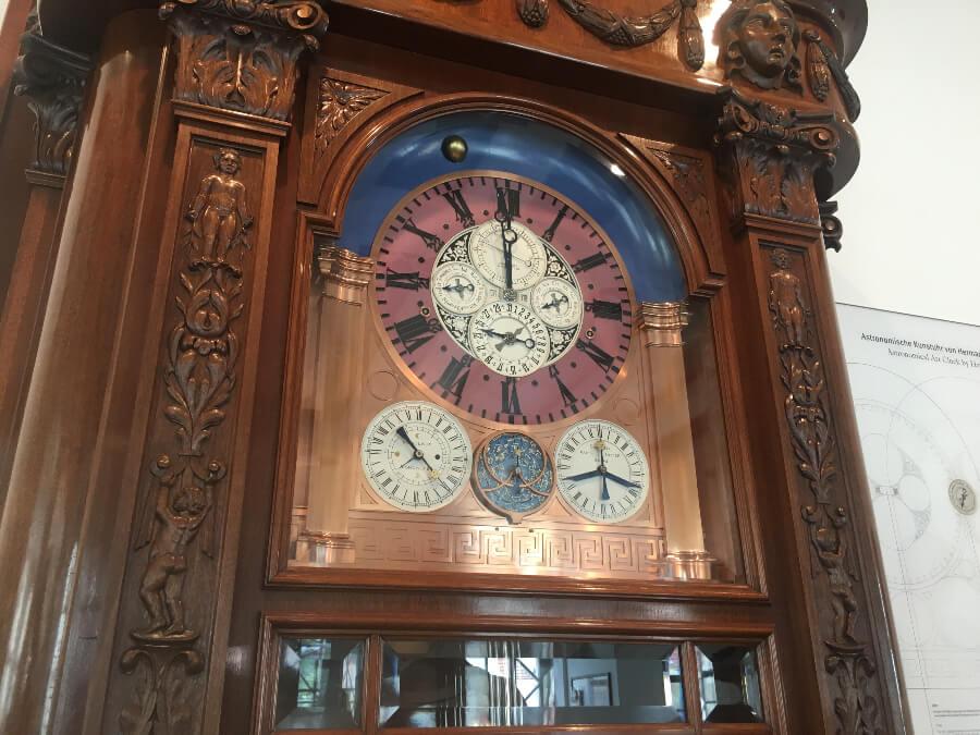 Hermann Goertz's monumental astronomical art clock