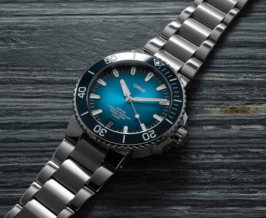Oris Aquis Date Calibre 400 Watch Review