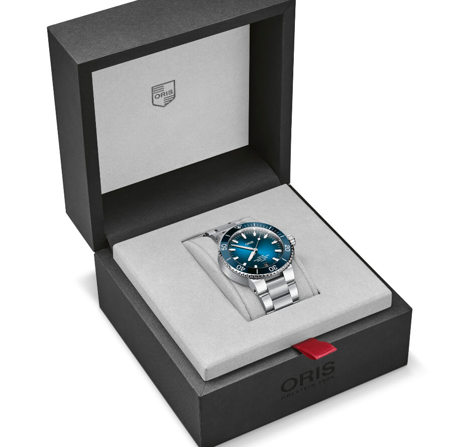 Oris Aquis Date Calibre 400 Full Box for sale