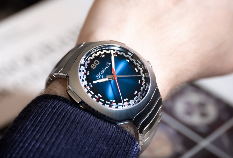 H. Moser & Cie. Streamliner Flyback Chronograph Automatic Funky Blue Watch Review