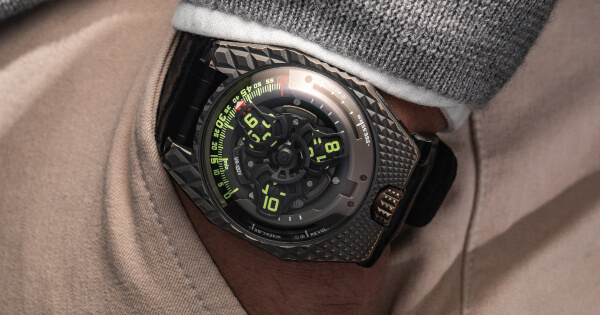 Urwerk UR-100V T-Rex (Price, Pictures and Specifications)