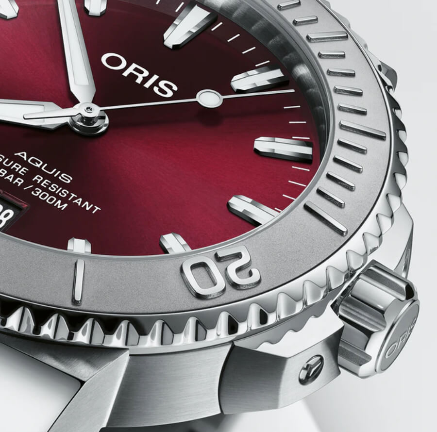 Oris Aquis Date Cherry Red 41.5 mm Dial