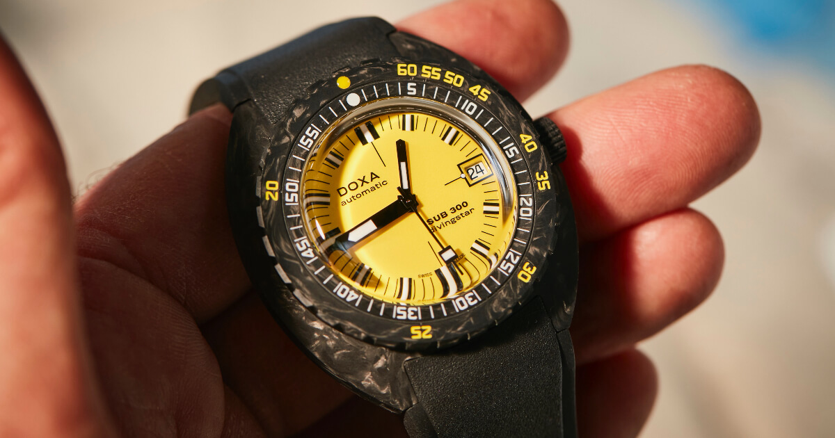 Doxa SUB 300 Carbon COSC (Price, Pictures and Specs)